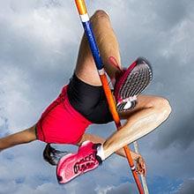 En höjdhoppare mitt i hoppet